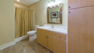 700_broadway_102_bathroom