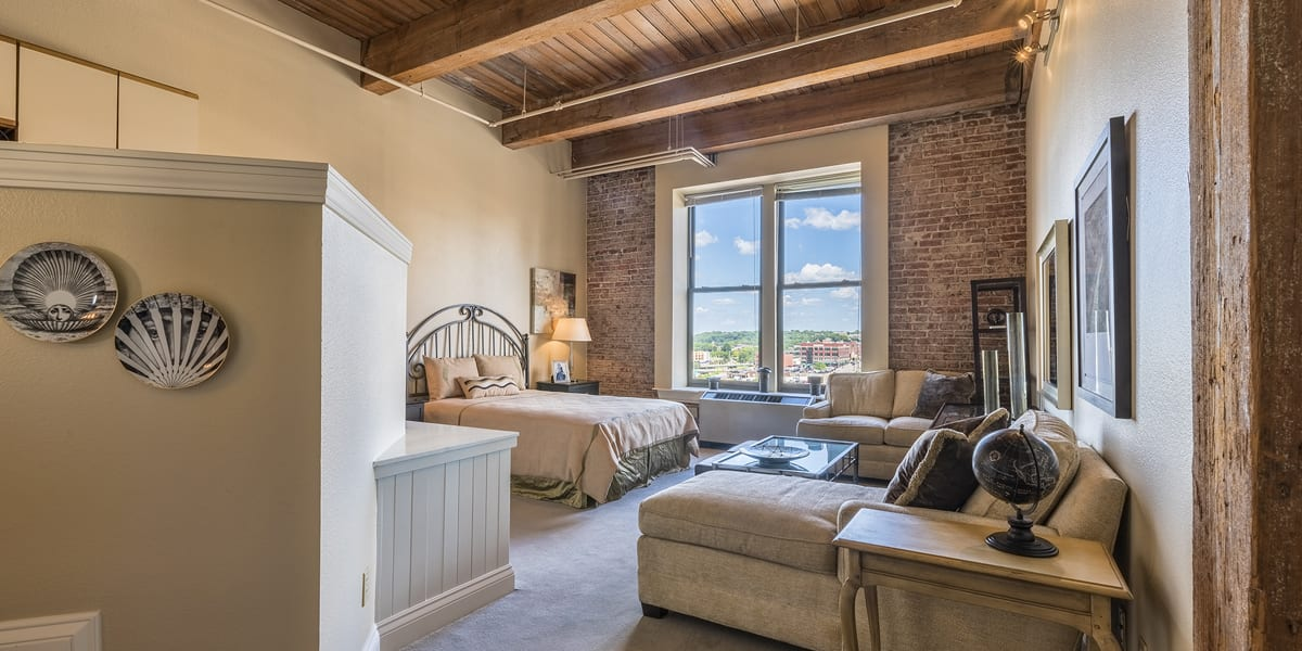 Featured For Sale – Soho Lofts #512