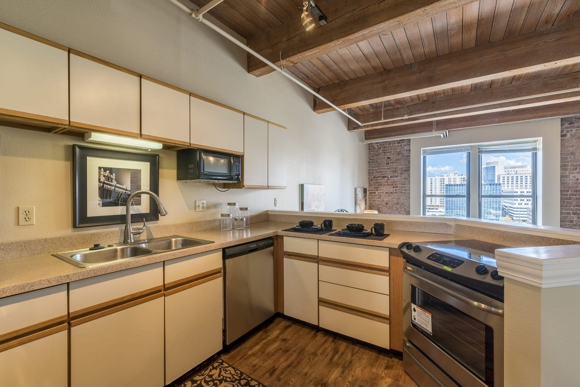 Soho 512 Kitchen2